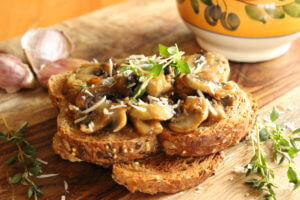 Toasts with stewed mushrooms