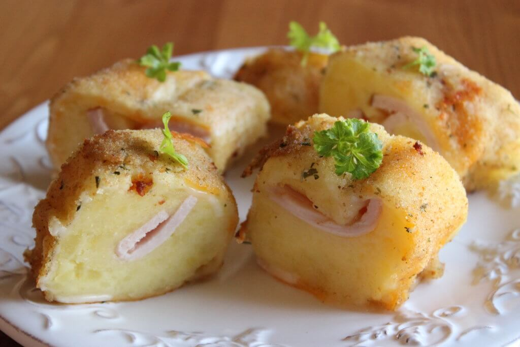 POTATO ROLL WITH HAM