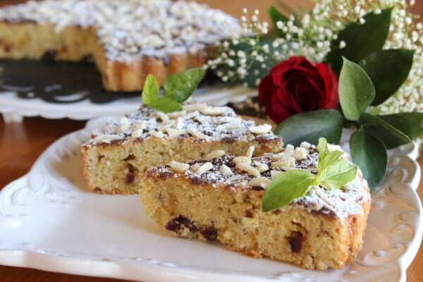 ALMOND SPONGE CAKE WITHOUT FLOUR AND BAKING POWDER