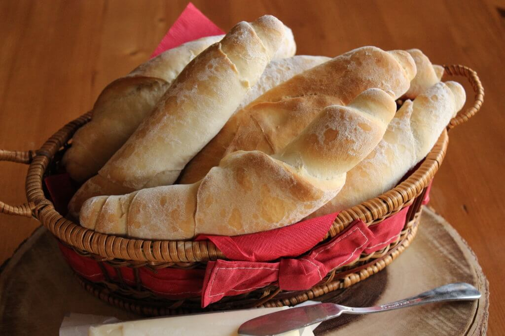 CRUSTY BREAD STICKS