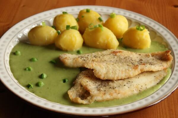 Fish Filets in Pea Sauce