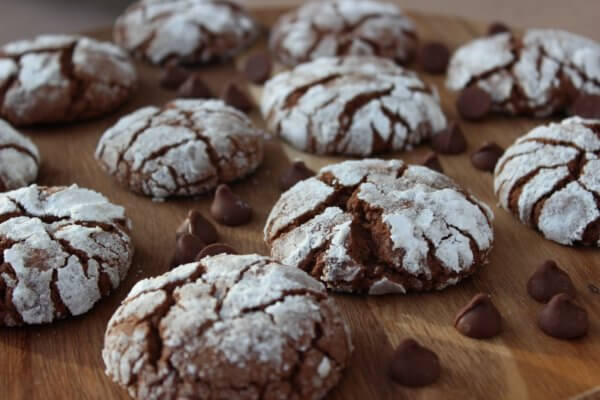 Chocolate Crimkle Cookies